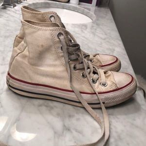 Converse Shoes - Hightop Coverse